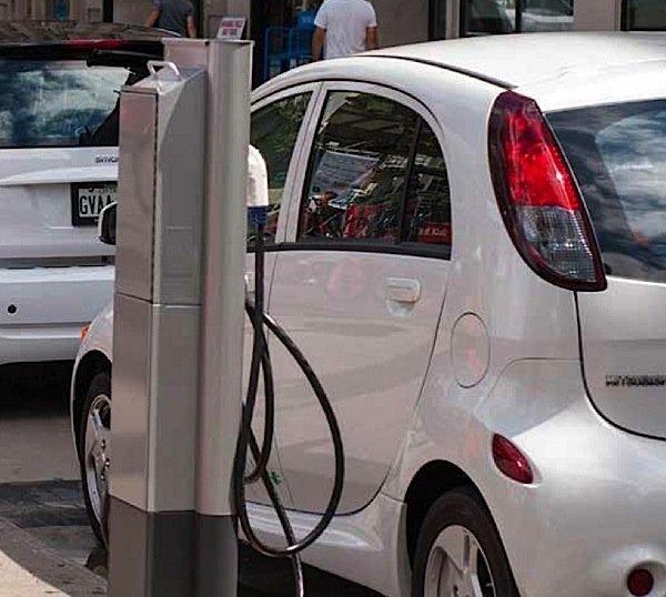 plug'n-drive-electric-vehicle-Ontario-greenhouse-gas-emissions-EDIWeekly