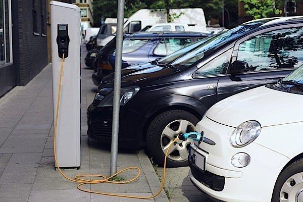 EV-Ontario-Ford-Focus-BMW-Smart-GM-Nissan-Leaf-KIA-Soul-greenhouse-emissions-Condo.ca